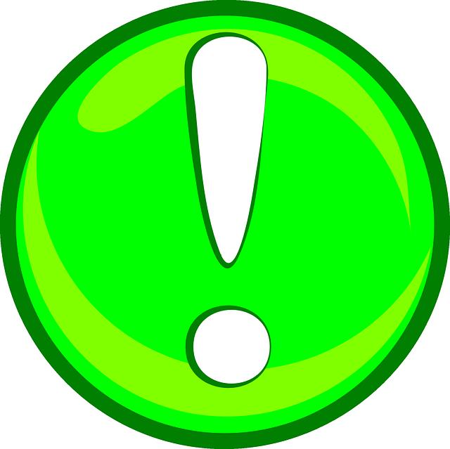 Восклицательный знак на зеленом фоне