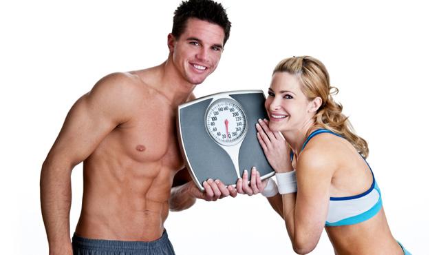 Парень и девушка с весами