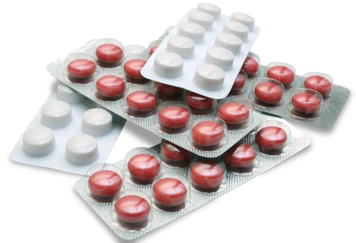 Белые и красные таблетки