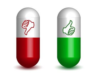 Красно-белая и зелено-белая таблетки